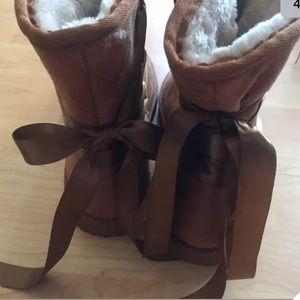 torrid Shoes - NEW Torrid faux suede furry boots Size 12W tan